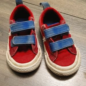 Size 5 Baby Converse shoes